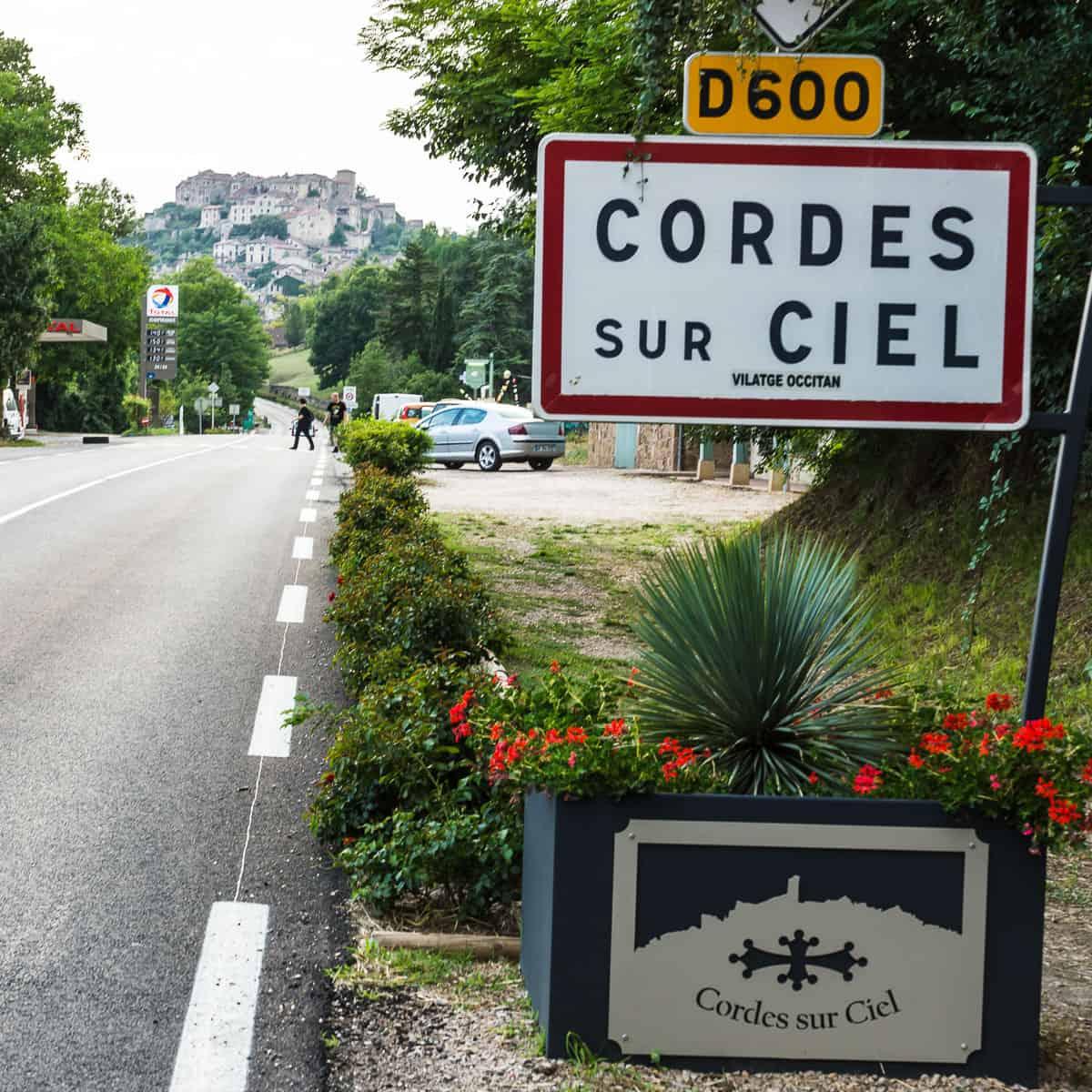 Cordes-sur-ciel-001.jpg